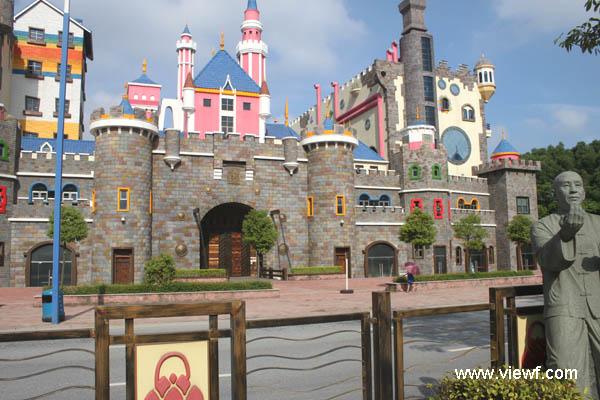 南海罗村一幼儿园似游乐园城堡