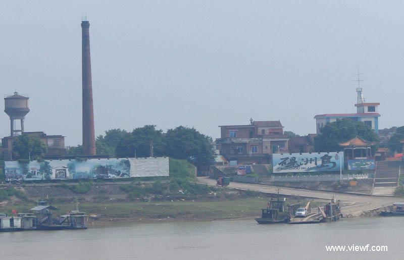 现广利码头已具旅游码头的性质,是砚洲岛的最前沿,肇庆市内有公交15路